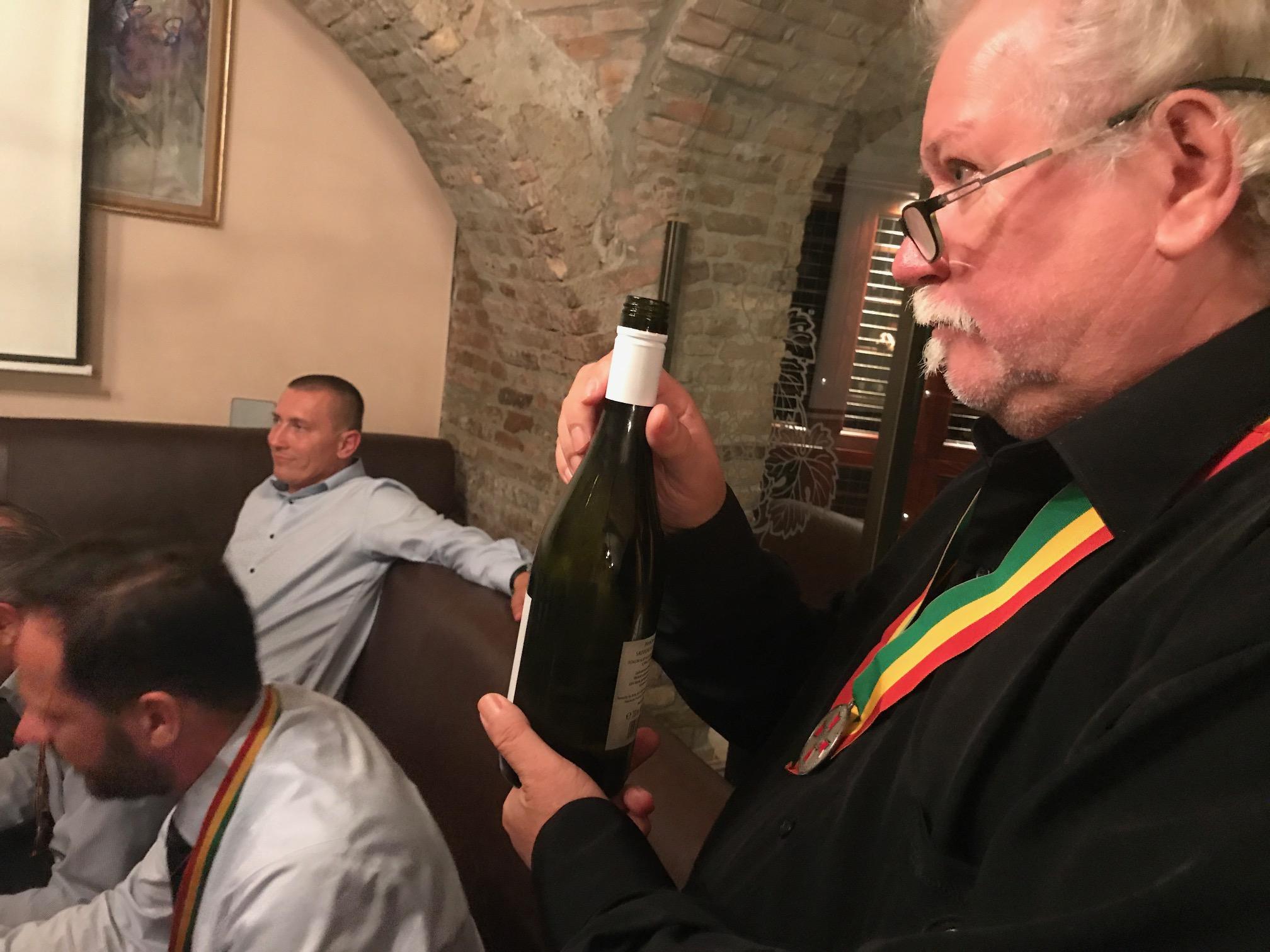 """A Győri Legáció júliusi összejövetelén először választotta meg az """"évad borát"""""""