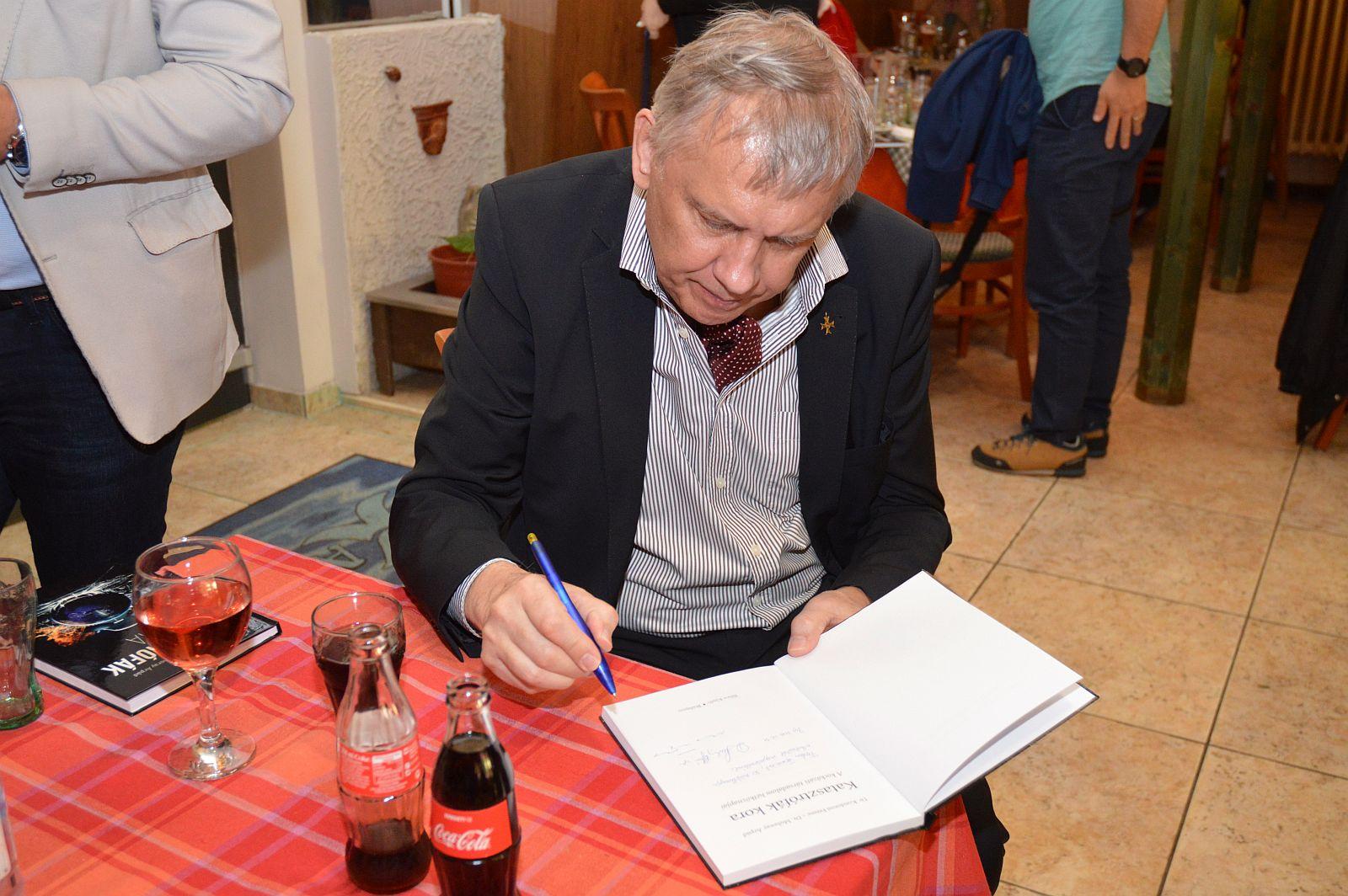 Dr. Kondorosi Ferenc – Dr. Muhoray Árpád: Katasztrófák kora